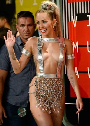 Miley Cyrus: 2015 MTV Video Music Awards in Los Angeles [adds]-09